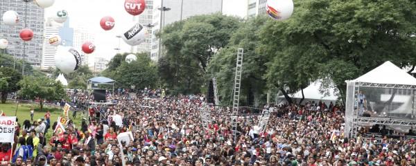 1º de Maio reúne 100 mil pela pauta dos trabalhadores