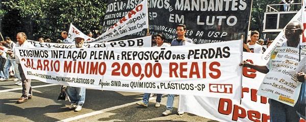 Aposentados protestam em São Paulo
