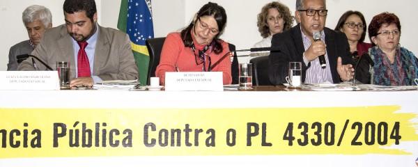 Audiência pública aprova moção contra o PL nº 4.330