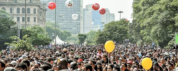 Mais de 100 mil reunidos no Dia do Trabalhador