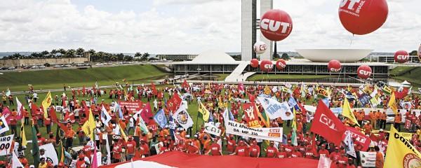 Manifestação em defesa do salário-mínimo