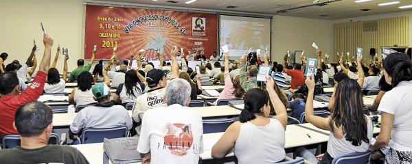 Químicos participam do VI Congresso da categoria em Embu