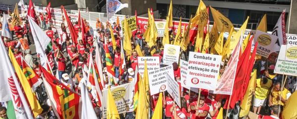 Químicos protestam contra o PL da terceirização